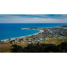 Overview of Apollo Bay by Canon 5DMKiii.  #melbourne #australia #victoria #vic #greatoceanroad #apollobay #visitgreatoceanroad #vscocam #bay #canonphotography #ocean #oceanview by allenzhao29 http://ift.tt/1LQi8GE