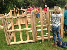 Hut, thema 'Bouwen', gebouwd door de kinderen van SKA-bso Flitz