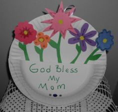 Sunday school paper plate crafts for kids to make mom on Mother's day for church or Sunday school Paper Plate Crafts For Kids, Bible Crafts For Kids, Holiday Crafts For Kids, Crafts For Kids To Make, Mothers Day Crafts, Preschool Crafts, Sunday School Projects, School Ideas, Flowers For Mom