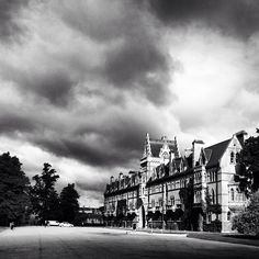 Oxford's steeples look particularly dramatic in black and white. This moody view is of Christ Church as seen from Christ Church Meadow. Thanks @calamitycaroline for this stunning shot. #architecture #sky #blackandwhite