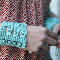 ChickenBetty Longmeadow Cuff (Free) in Free Crochet Patterns at Webs