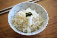 Green Tea Infused Rice 甘香綠茶飯 (rice cooker recipe)