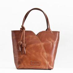 Bolso de Mano Borlas - El Montes Tote Bag, Fashion, Women's Handbags, Hands, Fur, Women, Moda, Fashion Styles, Carry Bag