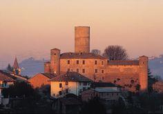 The castle of Castiglione Falletto #church #castle #museum #piemonte #italy  #provinciadicuneo