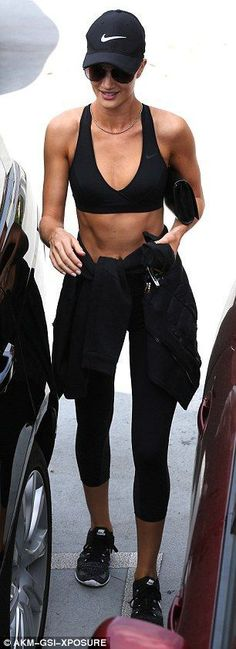 Looking fit! The Mad Max: Fury Road star flashed her impressive abs in a tiny, Nike sports. The English model flaunted her enviable figure in skintight workout clothes as she was spotted leaving the Body by Simone location in West Hollywood on Friday. Fitness Workouts, Fitness Pal, Fitness Watch, Moda Fitness, Fitness Tracker, Fitness Quotes, Planet Fitness, Fitness Sport, Fitness Equipment