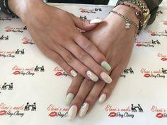 Gel & glitter nails ✨🌟