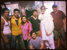 Verryyyy Distinguished Guest on the sets of #HappyNewYear.... Amitabh Bachchan with Shah Rukh Khan
