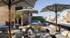 Hotel Omm Barcelona Hotel Omm in Barcelona offers stylish accommodation on Passeig de Gràcia, 5 minutes' walk from Gaudí's La Pedrera. It features a rooftop swimming pool and a terrace offering excellent views of Barcelona.