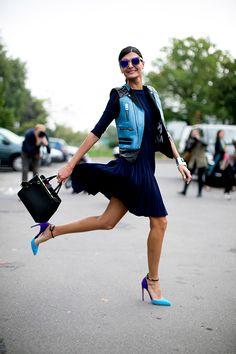 A pessoa em questão não é novidade no mundo da moda, mas a cada look que Giovanna Battaglia desfila pelas ruas, meu coração pula uma batid...