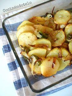 Patatas panadera con cebolla y pimiento Potato Recipes, Veggie Recipes, Diet Recipes, Cooking Recipes, Healthy Recipes, Tapas, Entrees, Side Dishes, Food Porn