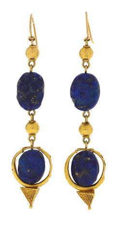 1st millennium BC., Eastern Mediterranean antique gold pendant earrings.