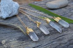 Raw Quartz Point Necklace // 24K Goldplated // Clear Quartz // Rough Crystal Point // Bohemian Jewelry // Layering Necklace