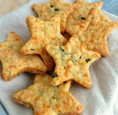 Cheddar Basil Bites Parmesan Cheddar Basil Bites are a delicious appetizer perfect for any event or party!Parmesan Cheddar Basil Bites are a delicious appetizer perfect for any event or party! Yummy Appetizers, Appetizers For Party, Appetizer Recipes, Snack Recipes, Cooking Recipes, Vegetable Appetizers, Cheese Appetizers, Cheese Straws, Appetizer Ideas