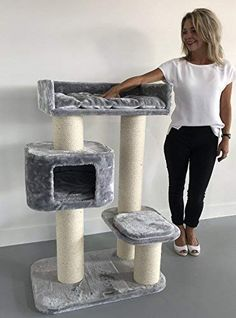Cat tree for large cats Devon Rex Light Grey poles ca and cat scratching post activity centre for heavy or large cats. Cat Tree House, Cat House Diy, Chats Devon Rex, Sisal, Cat Mansion, Grand Chat, Chat Maine Coon, Diy Cat Tree, Cat Trees
