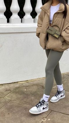 Chill Outfits, Sporty Outfits, Mode Outfits, Cute Casual Outfits, Simple Outfits, Stylish Outfits, Winter Fashion Outfits, Fall Winter Outfits, Look Fashion
