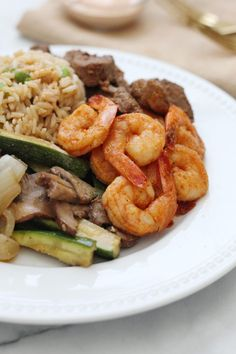 Japanese steakhouse style Hibachi Steak and Shrimp recipe made right in your own kitchen! Hibatchi Recipes, Shrimp Recipes, Dinner Recipes, Cooking Recipes, Healthy Recipes, Hibachi Shrimp, Hibachi Steak, Steak And Rice, Steak And Shrimp