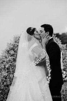 http://lapisdenoiva.com/casamento-ludmilla-e-guilherme/  Foto: Lutterbach Fotografia