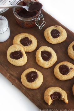 NUTELLASEASALTTHUMBPRINT /1 cup blanched almond flour 1 tbsp coconut flour 1 tsp baking powder Dash sea salt Wet Ingredients 4 tbsp grass-fed butter 3 tbsp raw honey Other Nutella recipe here Coarse sea salt