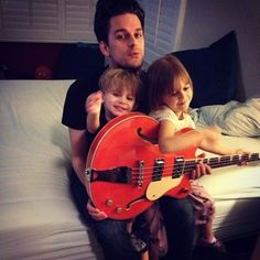 This is one of the cutest thing I ever seen! Dallon Weekes and his adorable kids! Music Stuff, My Music, The Brobecks, Dallon Weekes, Sleeping With Sirens, Brendon Urie, Panic! At The Disco, Emo Bands, Pierce The Veil