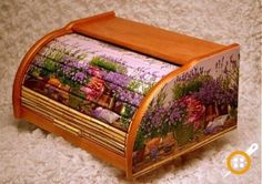 ahşap boyama ekmeklik modelleri Bread Boxes, Decoupage Art, Diy And Crafts, Decorative Boxes, Projects To Try, Bloom, Handmade, Painting, Home Decor