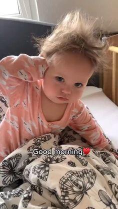 Cute Kids Pics, Cute Funny Baby Videos, Cute Funny Babies, Cute Baby Pictures, Funny Videos For Kids, Funny Kids, Adorable Babies, Cute Little Baby Girl, Baby Kind