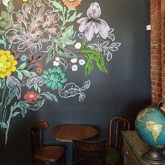 I love this chalkboard wall that @jgdn shared in #dspattern ❤️ (taken at Astro Coffee in Detroit- where we're heading next week!) Chalkboard Wallpaper, Chalkboard Wall Bedroom, Blackboard Wall, Chalk Wall, Chalkboard Art, Bedroom Wall, Kitchen Chalkboard, Chalk Board, Bedroom Ideas