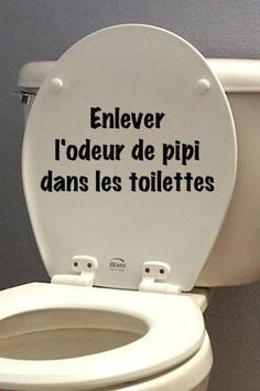 enlever l'odeur de pipi facilement dans les toilettes remove the smell of pee easily in the toilet Trucs et astuces Green Cleaning, House Cleaning Tips, Diy Cleaning Products, Cleaning Solutions, Cleaning Hacks, Bedroom Cleaning, Hacks Diy, Homemade Products, Clean Baking Pans