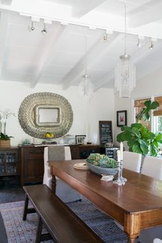 rustic table, mix of darks and lights, midcentury meets old world charm