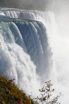 Niagara Falls, Border of Ontario - Canada & New York - USA by delfry Oh The Places You'll Go, Great Places, Places To Travel, Places To Visit, Dream Vacations, Vacation Spots, Beautiful World, Beautiful Places, Beautiful Waterfalls