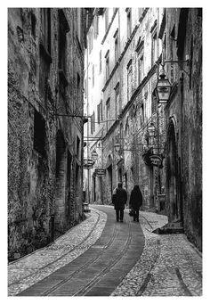 Spoleto, Italy camminare qui @2mondifestival dal 28 giugno al 14 luglio