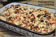 Snart tillbaks till vardagen och då är det bra med några goda vardagsrätter – som denna! Oj, oj, oj, va barnen älskade denna och även jag Suveränt god, så god att vi kommer definitivt äta denna även senare när/om jag inte köra ViktVäktarna längre. Jag gjorde dubbelsats för denna är ju perfekt att ha […] Weekday Meals, Swedish Recipes, Pasta Noodles, Recipe For Mom, Bambi, Food Hacks, Macaroni And Cheese, Chicken Recipes, Chicken Meals