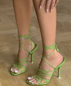 Dr Shoes, Hype Shoes, Me Too Shoes, Shoes Heels, Pumps, Shoes Sneakers, Mode Hipster, Aesthetic Shoes, Aesthetic Green