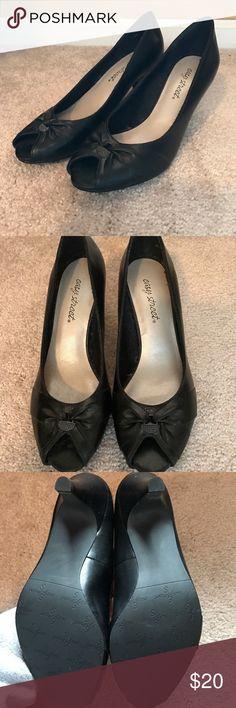 🆕NEW Black Heels Easy street black heels with cute embellished front. Dolce Vita Shoes Heels