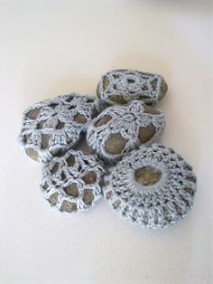 Free: Crocheted stones pattern by A la Sascha