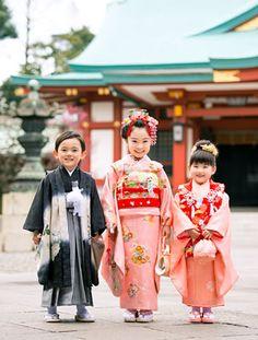 貸衣裳・美容・写真の七五三プラン | 伊勢丹 新宿店 | 伊勢丹 店舗情報 Japanese Babies, Cute Japanese, Japanese Kimono, Japanese Fashion, Geisha Japan, Cute Kids Photography, Japanese Festival, Kids Outfits, Cute Outfits