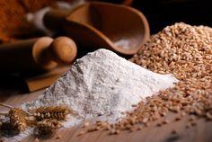 farina di grano duro con utensili di legno