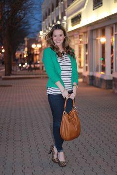 green blazer, b&w striped shirt, leopard shoes, chunky black necklace <3
