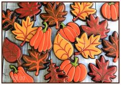 All the cookie decorating tutorials, tips, recipes and color help you need to make easy and fun decorated sugar cookies! Leaf Cookies, Cut Out Cookies, Sugar Cookies, Making Cookies, Tree Cookies, Fancy Cookies, Thanksgiving Cookies, Christmas Cookies, Thanksgiving Deserts