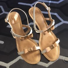 Tory Burch Heels Cream and nude Tory Burch bow high heeled sandals. Pebbled nude soles, with smooth straps and gold hardware. All leather. Super cute!! Make me an offer  Tory Burch Shoes