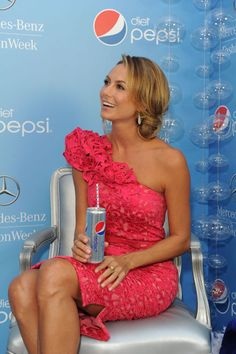 Stacy Keibler strikes a pose at the Diet Pepsi Refresh Lounge at Mercedes-Benz Fashion Week in New York City. Pretty Dresses, Beautiful Dresses, Diet Pepsi, Stacy Keibler, Dancing With The Stars, Strike A Pose, Celebrity Gossip, Hottest Photos, American Actress