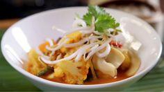Smoked haddock and cauliflower gratin recipe - BBC Food Thai Curry Paste, Thai Red Curry, Red Thai, Thai Vegetable Curry, Onion Sprouts, Cauliflower Gratin, Shrimp Pasta Recipes, Good Enough To Eat, Thai Recipes