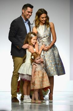 Quelle image des femmes Jessica Alba enseigne-t-elle à ses filles ?