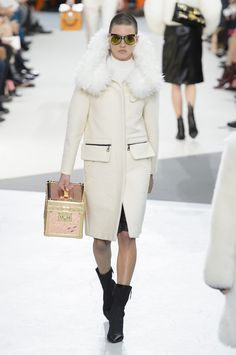 Louis Vuitton Fall 2015 Ready-to-Wear Collection  - ELLE.com