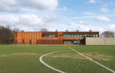 Hackney Marshes is best known as the London home of amateur Sunday League football. Stanton Williams was commissioned in 2008 to provide a new 'Community Hub' at the South Marsh, comprising new changing rooms, a café, and an education facility. British Architecture, Contemporary Architecture, Dezeen Architecture, Architecture Design, Stanton Williams, Architects London, New Community, Beautiful Buildings, Building Design