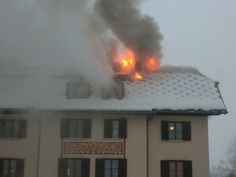 Freiwillige Feuerwehr Zell am See - Dachstuhlbrand bei Wohngebäude