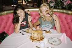 Anna Speckhart & Valerija Sestic for Nasty Gal 2013 Grunge Style, Rock Style, Best Friend Goals, My Best Friend, Steam Punk, Anna Speckhart, Festivals, Pin Up, Foto Casual