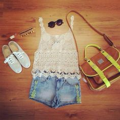 In love with the lace tank and bag!