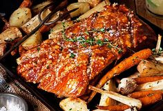 Jaja-it's total winter food. but, num. Pork belly with slow-roasted winter vegetables and apple and sage sauce Pork Belly Recipes, Sauce Recipes, Real Food Recipes, Cooking Recipes, Slow Cooking, Yummy Food, Slow Roast, Pork Roast, Roasted Winter Vegetables