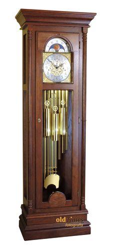 Pollux to wyjątkowy zegar. Mechanizm tubowy dodaje mu prestiżu. Jest to zegar przeznaczony dla osób bardzo wymagających oczekujących zegara o wyjątkowych walorach użytkowych oraz estetycznych