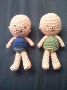 Bebés gemelos hecho en #crochet y #amigurimi por @abejitasorg y subido para el concurso de #naturadmc Twin Babies, Envelopes, Bees, So Done, Miniatures, Chrochet, Amigurumi, Patterns, Manualidades